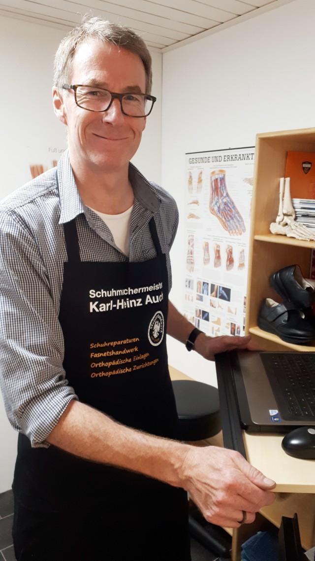 Schuhmachermeister Karl-Heinz Auch