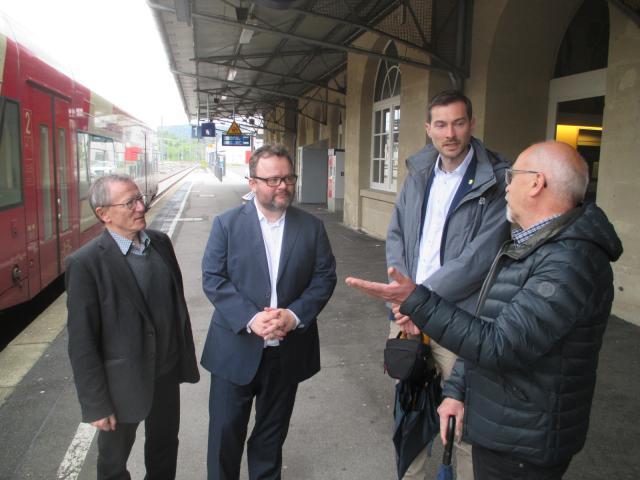 Karrais und Jung: Gäubahn muss zweispurig ausgebaut werden