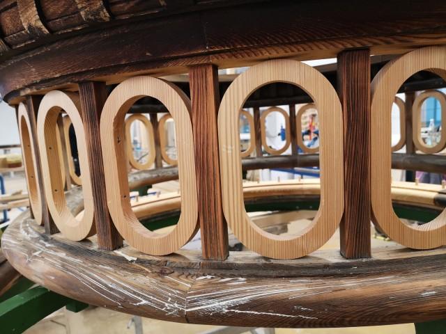 Holzmanufaktur restauriert Teile der Parkanlage von Schloss Lindenhof